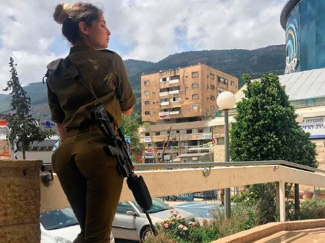 В Израиле разгорелся скандал изза горячих женщинвоенных
