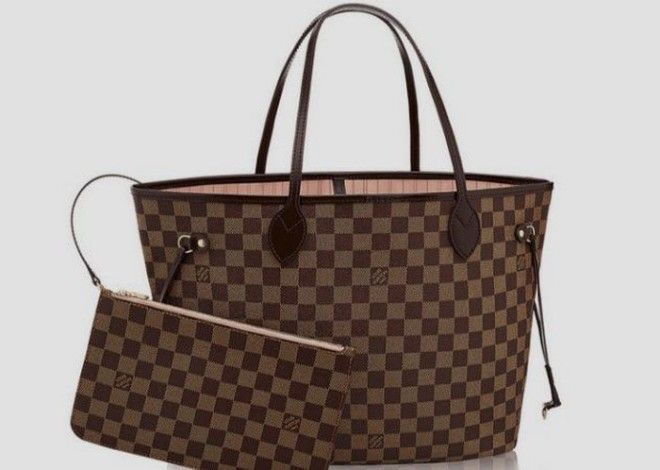Сумки Louis Vuitton.