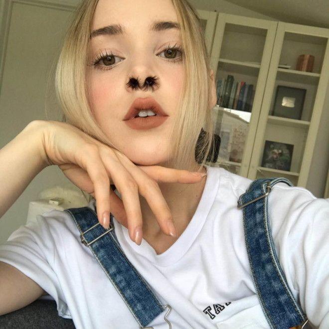 Девушки начали наращивать волосы в ноздрях