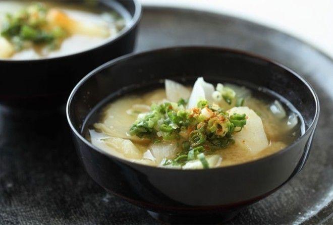 Суп мисо полезен и для диеты, и как пища, замедляющая старение.